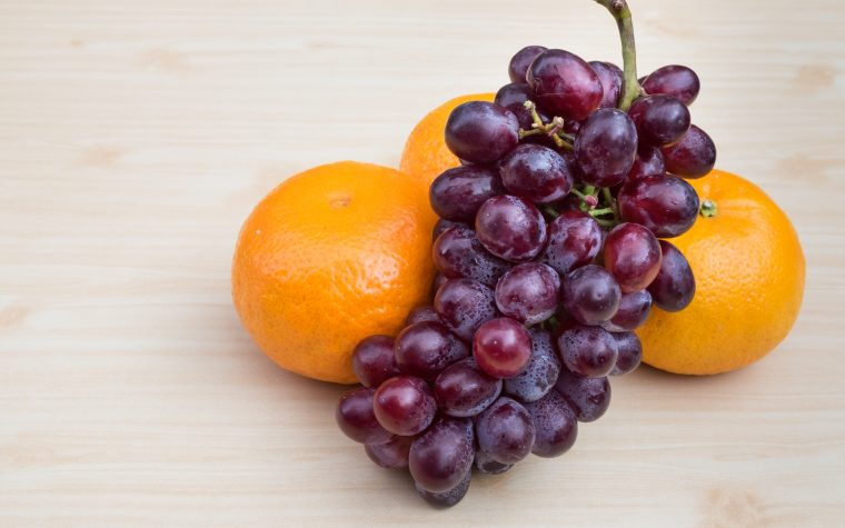 Fruit compounds and obesity